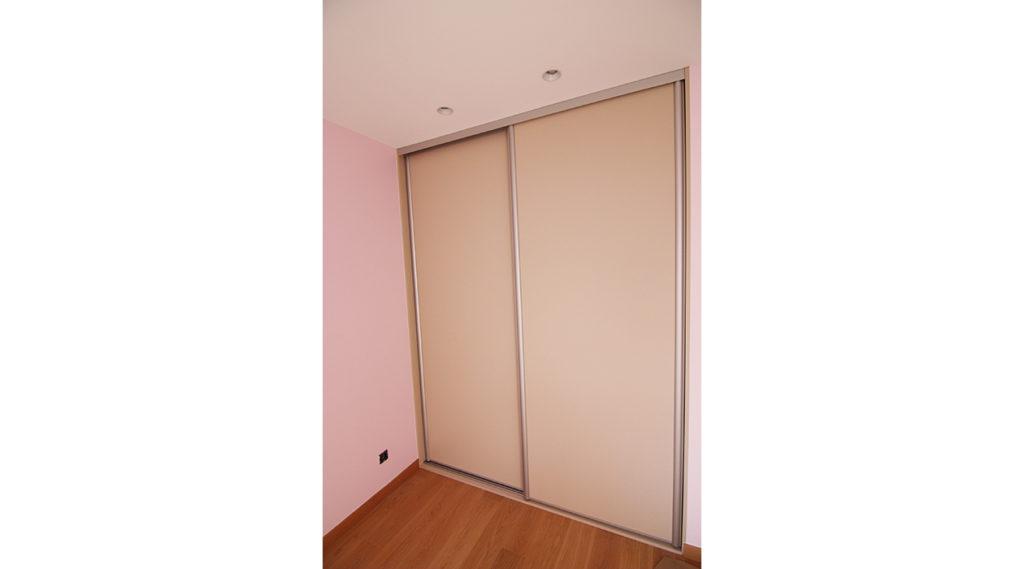 installation-armoire-porte-coulissante-annecy
