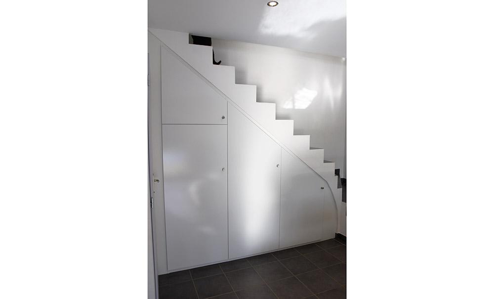 installation-placard-sous-escalier