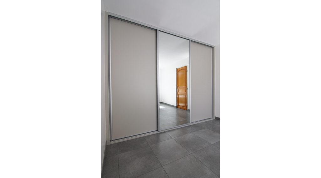 placard-portes-coulissantes-sur-mesure-annecy