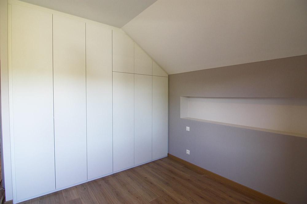 placard-sous-escalier-combles-annecy