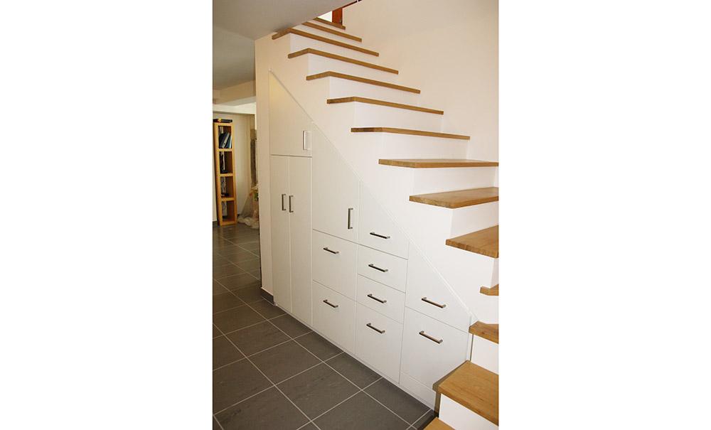 placard-sous-escalier-voiron-sur-mesure