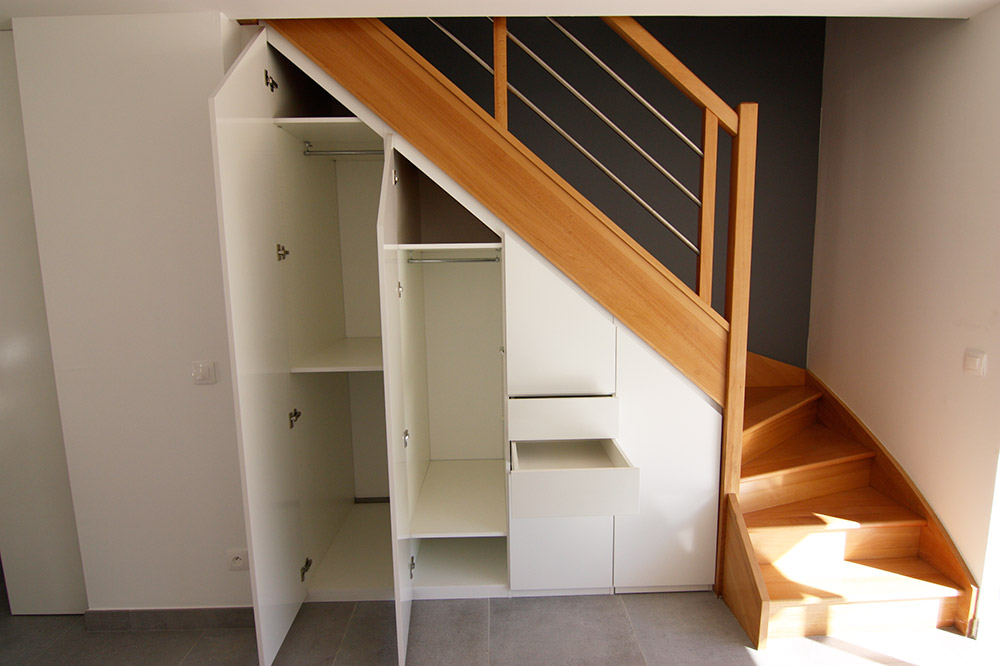 rangement-sous-escalier-sur-mesure