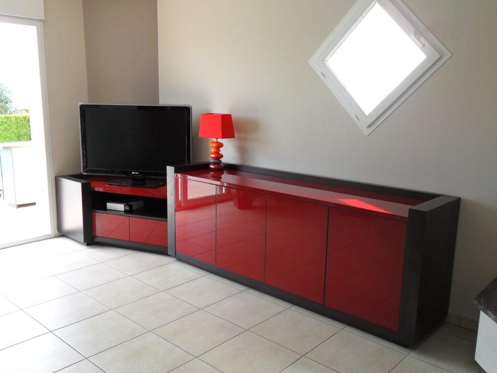 Meuble télévision moderne rouge